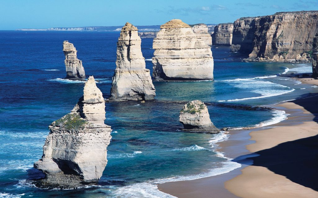 The-Twelve-Apostles-Limestone-Stacks-Port-Campbell-National-Park-Great-Ocean-Road-Victoria-Australia-WallpapersByte-com-3840x2400