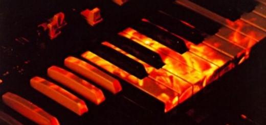 The Big Burner and his  Hammond B3 already burning.